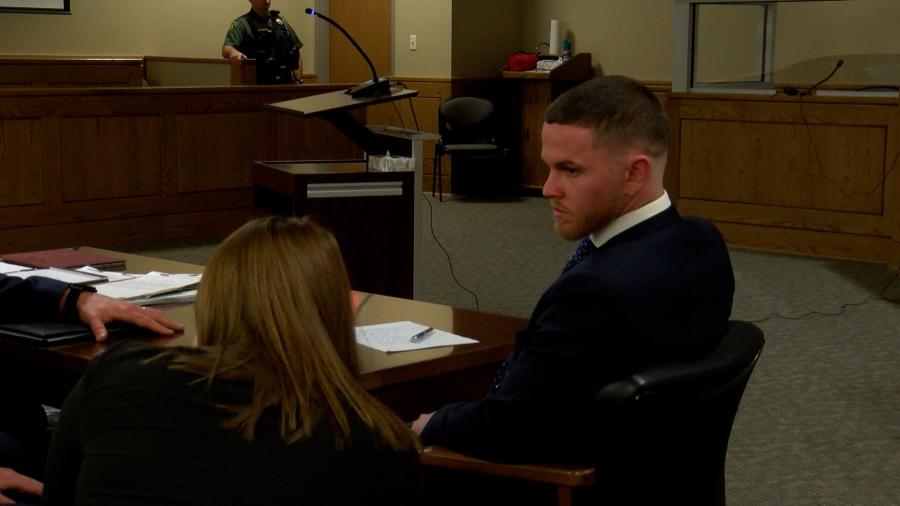 مردی متهم به فرار از معترض شهر جانسون در دادگاه حاضر شد
